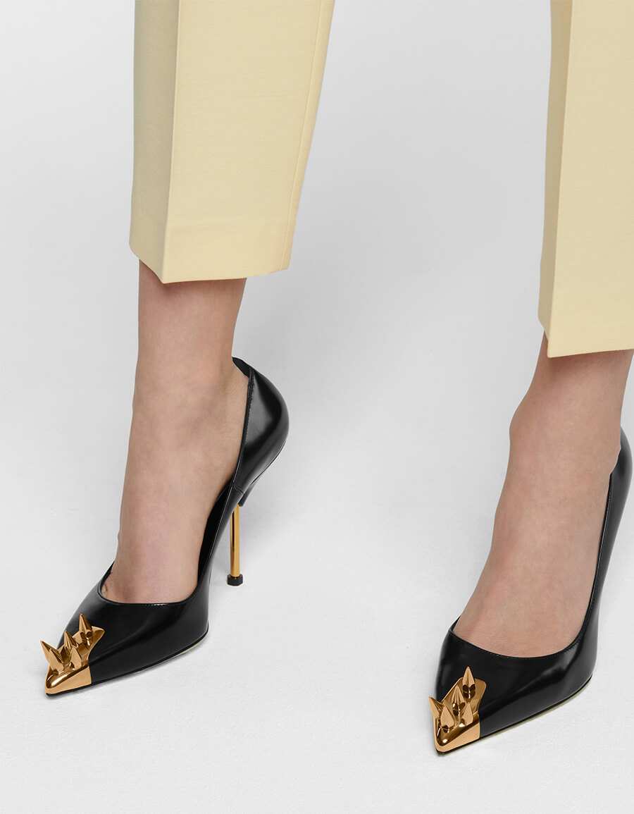 ALEXANDER MCQUEEN Punk Stud embellished leather pumps